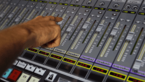 10 faders