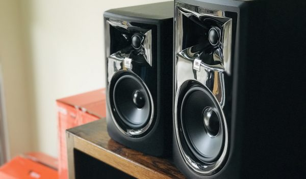 Review: JBL LSR 306p MKII